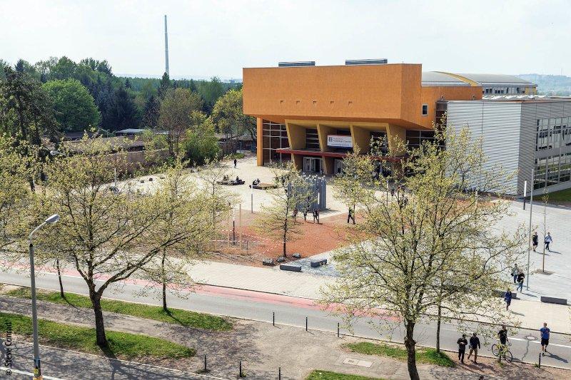 Hörsaal- und Seminargebäude